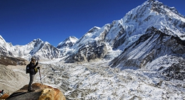 Trekker-at-Kalapathar