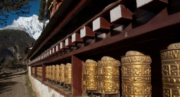 Prayer-wheels-at-Namche