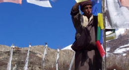 Colorful-prayer=flags-at-Manang