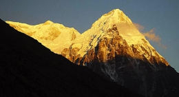 sunrise-on-kanchenjunga
