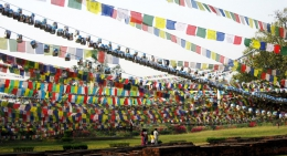 Prayer-Flags-in-Lumbini
