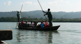 Boating-in-Rapti-river-Chitwan