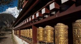 prayer-wheels-namche-bazaar